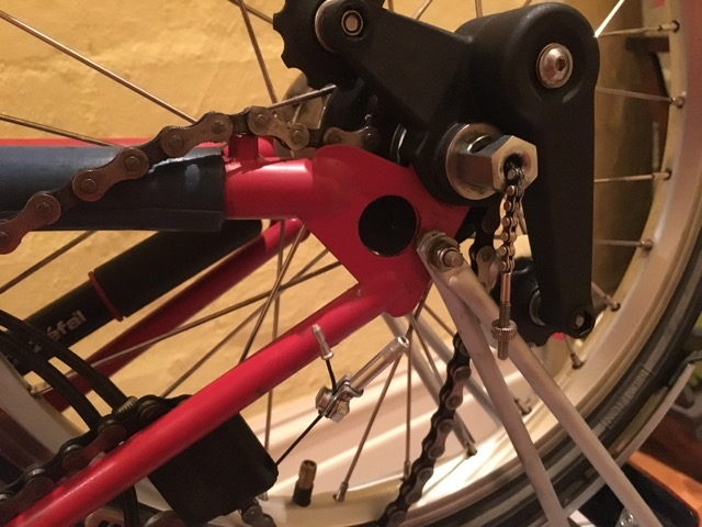 The indicator chain's too short! - Brompton rear wheel